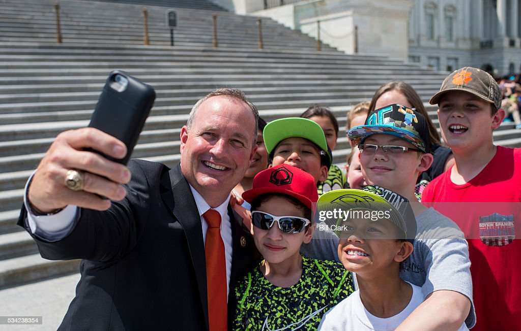 Rep. Jeff Duncan, R-S.C., takes a selfie on the House steps with students from James M. Brown Elementary School following votes in the Capitol on Wednesday, May 25, 2016.