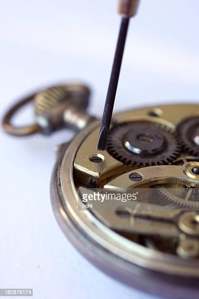 Réparer la vieille montre de poche