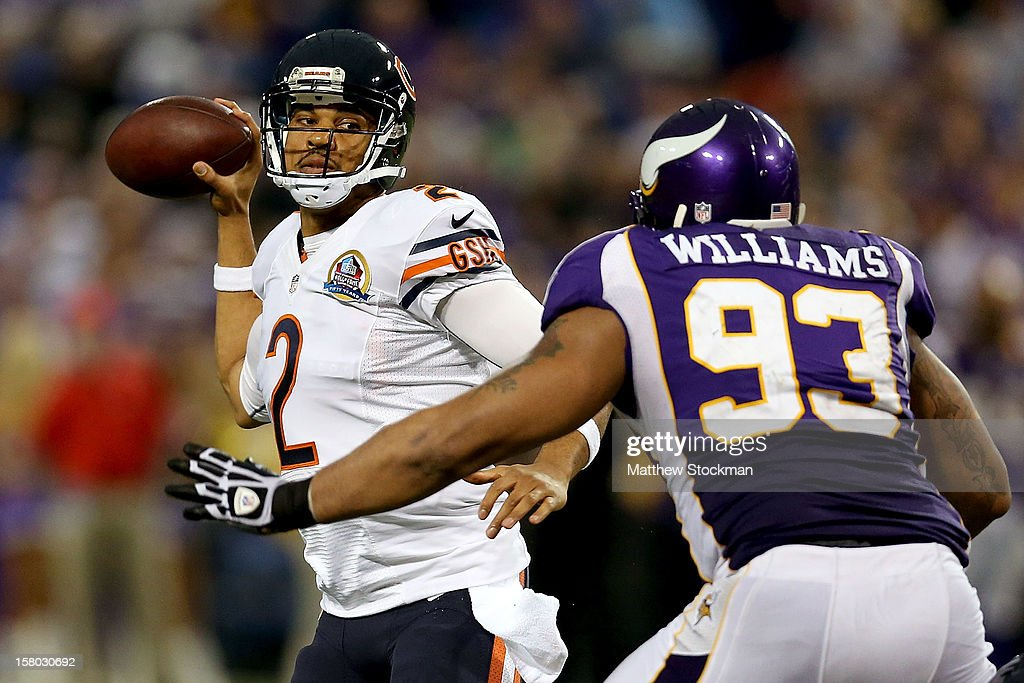 Replacement Quarterback Jason Campbell #2 of the Chicago Bears looks for an open receiver while playing the Minnesota Vikings at Mall of America Field on December 9, 2012 in Minneapolis, Minnesota.