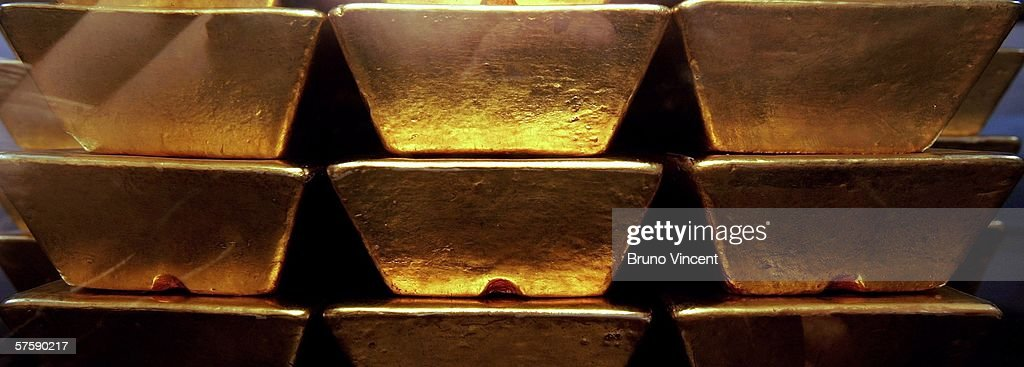Replica bars of gold are seen displayed at the Bank of England museum on May 12, 2006 in London, England. The price of gold has risen dramatically over the last few days and is currently valued at GBP153,096 per bar (13 Kg).