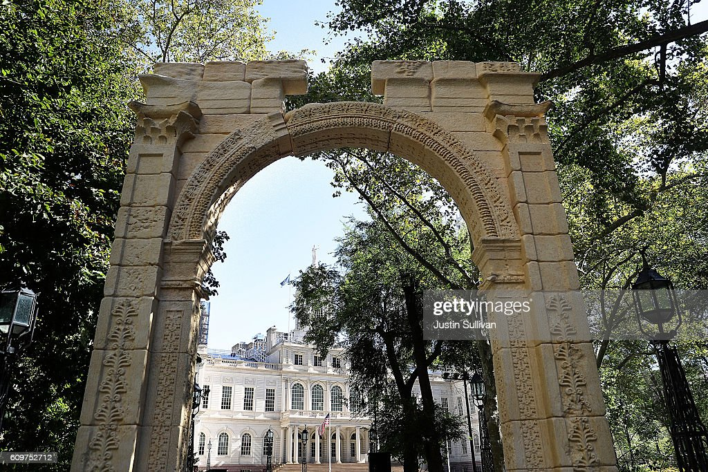 replica of syria's arch of triumph destroyedisis displayed in