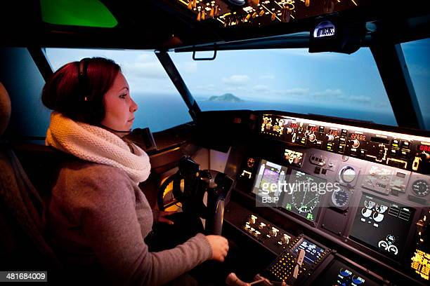Reportage in the Fear of Flying treatment centre in Paris France This centre offers courses given by Velina Negovanska doctor in psychology...