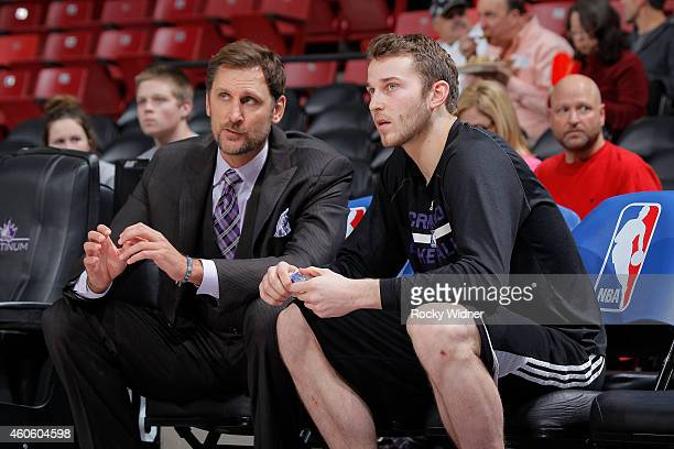 TNT reporter Brent Barry talks to Nik Stauskas of the Sacramento Kings prior to the game against the Houston Rockets on December 11 2014 at Sleep...