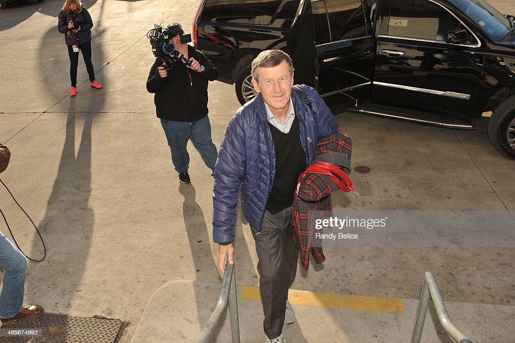 Reporter, <a gi-track='captionPersonalityLinkClicked' href=/galleries/search?phrase=Craig+Sager&family=editorial&specificpeople=617407 ng-click='$event.stopPropagation()'>Craig Sager</a> arrives before the Chicago Bulls game against the Oklahoma City Thunder on March 5, 2015 at the United Center in Chicago, Illinois.