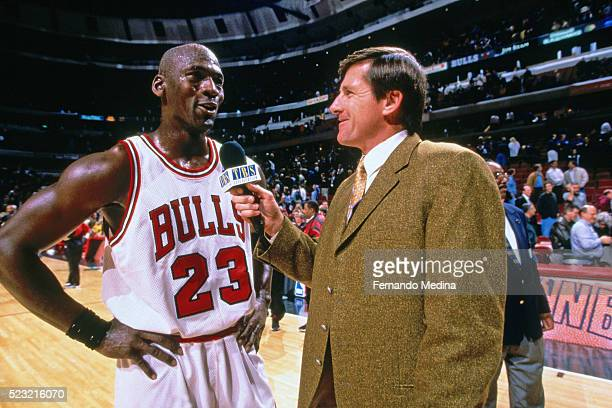 TNT reporter Craig Sager interviews Michael Jordan during a Chicago Bulls game at the United Center in Chicago Illinois NOTE TO USER User expressly...