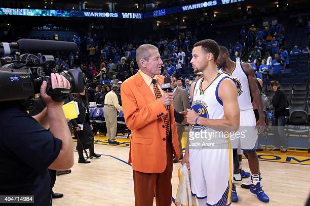 TNT reporter Craig Sager interviews Stephen Curry of the Golden State Warriors before the game against the New Orleans Pelicans on October 27 2015 at...