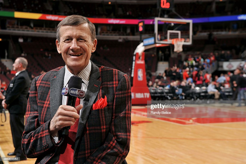 TNT Reporter <a gi-track='captionPersonalityLinkClicked' href=/galleries/search?phrase=Craig+Sager&family=editorial&specificpeople=617407 ng-click='$event.stopPropagation()'>Craig Sager</a> reports before a game between the Oklahoma City Thunder and Chicago Bulls on March 5, 2015 at the United Center in Chicago, Illinois.