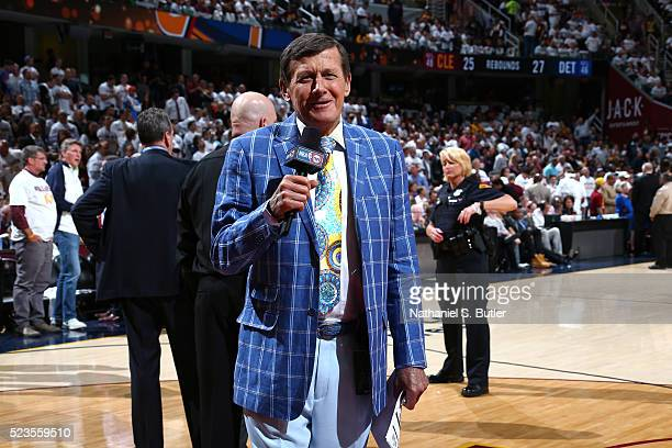 Reporter Craig Sager reports the updates of the game between the Cleveland Cavaliers and the Detroit Pistons during Game Two of the Eastern...