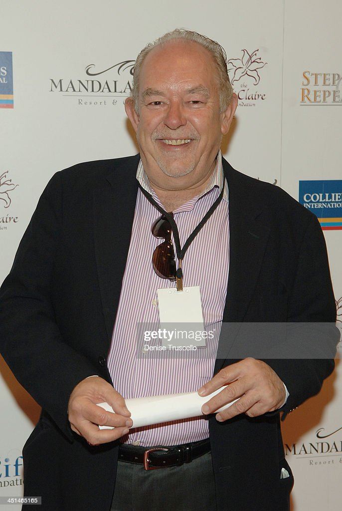 Reporter Robin Leach arrives at the 2008 Lili Claire Foundations Benefit Concert at Mandalay Bay Resort & Casino Events Center on April 26, 2008 in Las Vegas, Nevada.