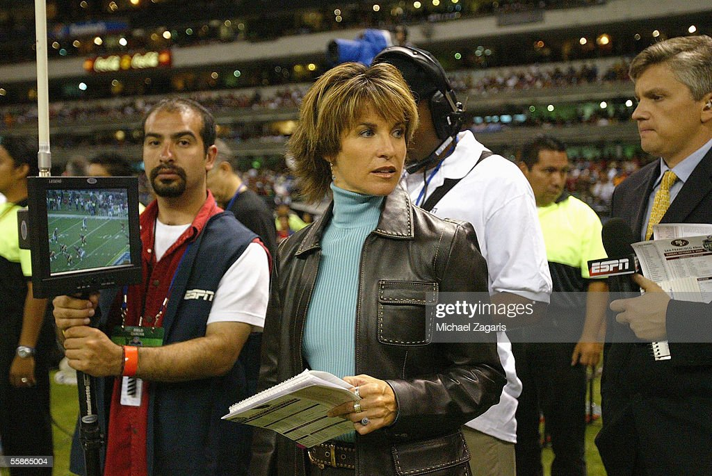 ESPN reporter Suzy Kolber works during the game between the San Francisco 49ers and the Arizona Cardinals at Estadio Azteca on October 2, 2005 in Mexico City, Mexico.