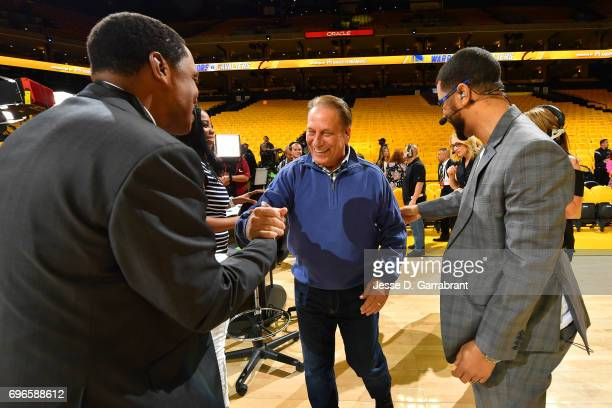 Reporters Isaiah Thomas and Michael Smith talks with Michigan State's men's basketball head coach Tom Izzo before Game One of the 2017 NBA Finals...