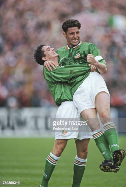Republic of Ireland footballers Garry Kelly and Andy Townsend celebrate after Andy Townsend scored an equalising goal in the International Friendly...