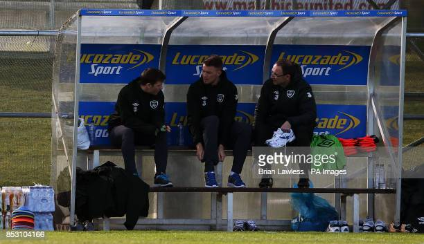 Republic of Ireland manager Martin O'Neill with Wes Hoolahan and Anthony Pilkington during a training session at Gannon Park Malahide Ireland