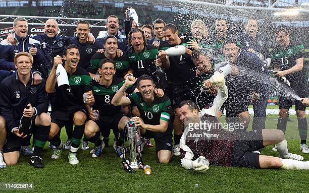 Republic of Ireland players celebrate after winning the Carling Nations Cup match between Republic of Ireland and Scotland at the Aviva Stadium on...