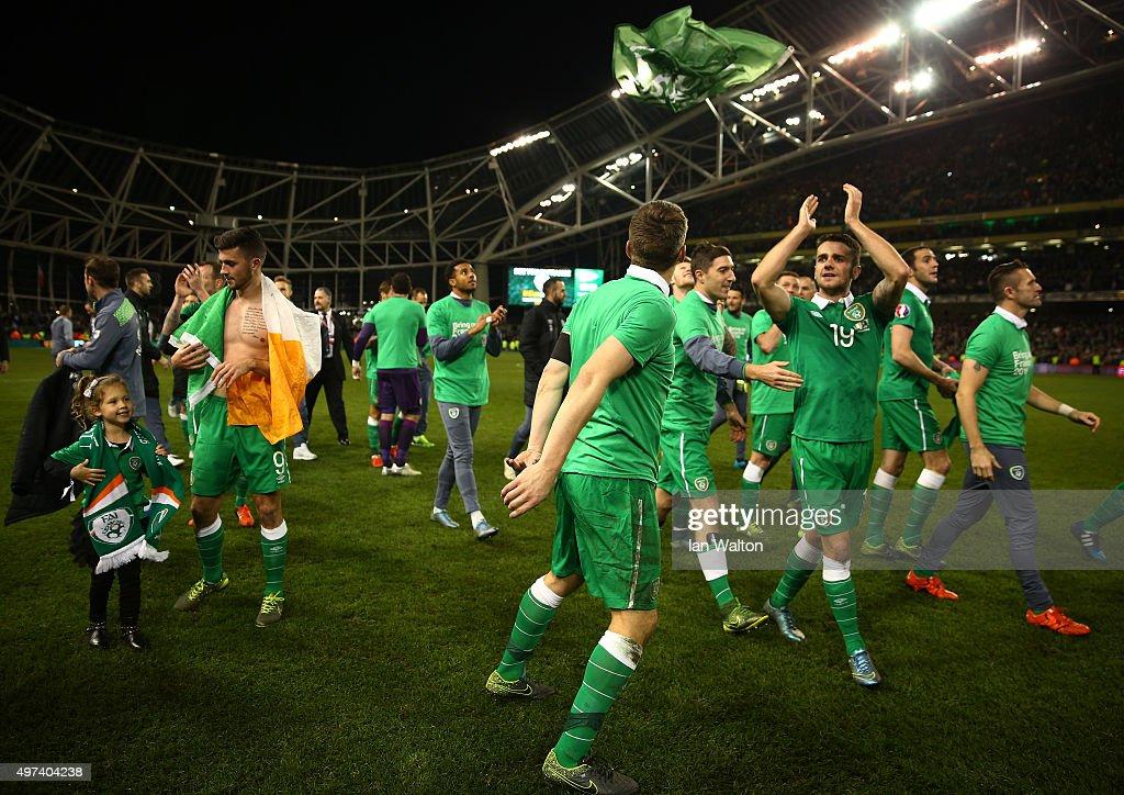 Republic of Ireland players celebrate their 2-0 victory and qualification during the UEFA EURO 2016 Qualifier play off, second leg match between Republic of Ireland and Bosnia and Herzegovina at the Aviva Stadium on November 16, 2015 in Dublin, Ireland.