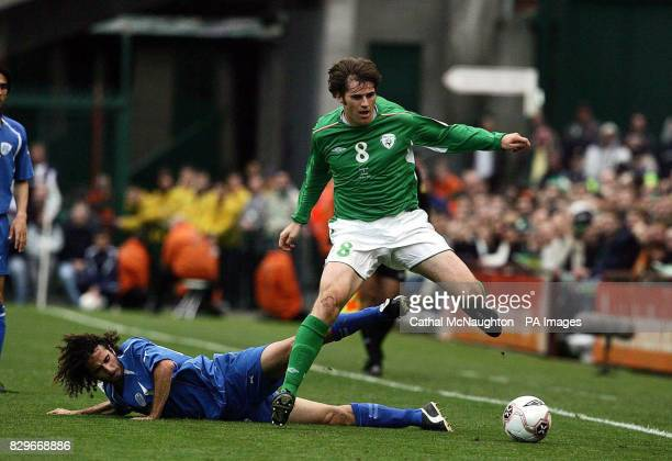 Republic of Ireland's Kevin Kilbane beats Israel's Saban Klemi