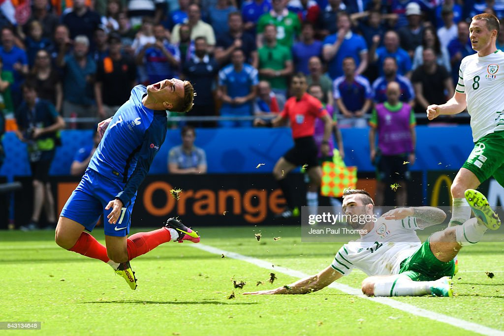 Republic of Ireland's Shane Duffy (right) brings down France's Antoine Griezmann resulting in a red card during the European Championship match Round of 16 between France and Republic of Ireland at Stade des Lumieres on June 26, 2016 in Lyon, France.