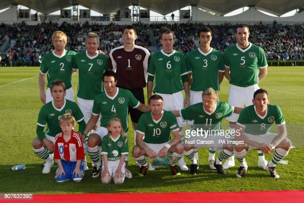 Republic of Ireland's starting line up Paul McShane Liam Lawrence Kieren Westwood Glenn Whelan Stephen Kelly and John O'Shea Kevin Doyle Sean St...