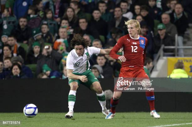 Republic of Ireland's Stephen Hunt controls the ball away from Czech Republic's Frantisek Rajtoral