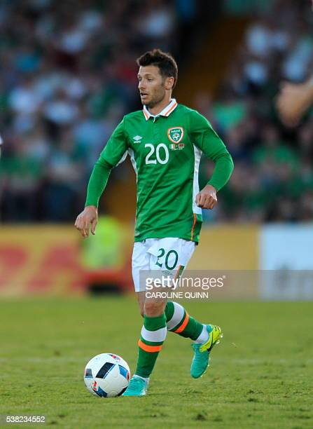 Republic of Ireland's Wes Hoolahan runs with the ball during the international friendly football match between Republic of Ireland and Belarus at...