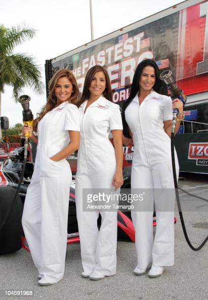 alba single girls The usa, the land of hollywood, most attractive female celebrities, victoria's secret angels, and sports illustrated swimsuit edition supermodels as los angeles is.