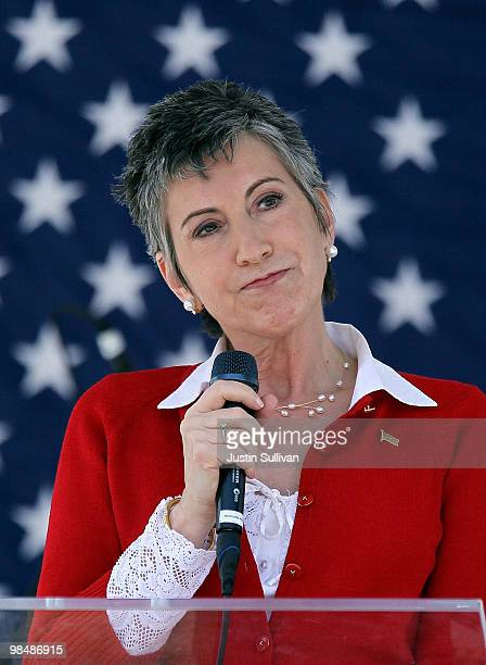 Republican candidate for US Senate and former HP CEO Carly Fiorina speaks at the 2010 Tax Day Tea Party April 15 2010 in Pleasanton California The US...