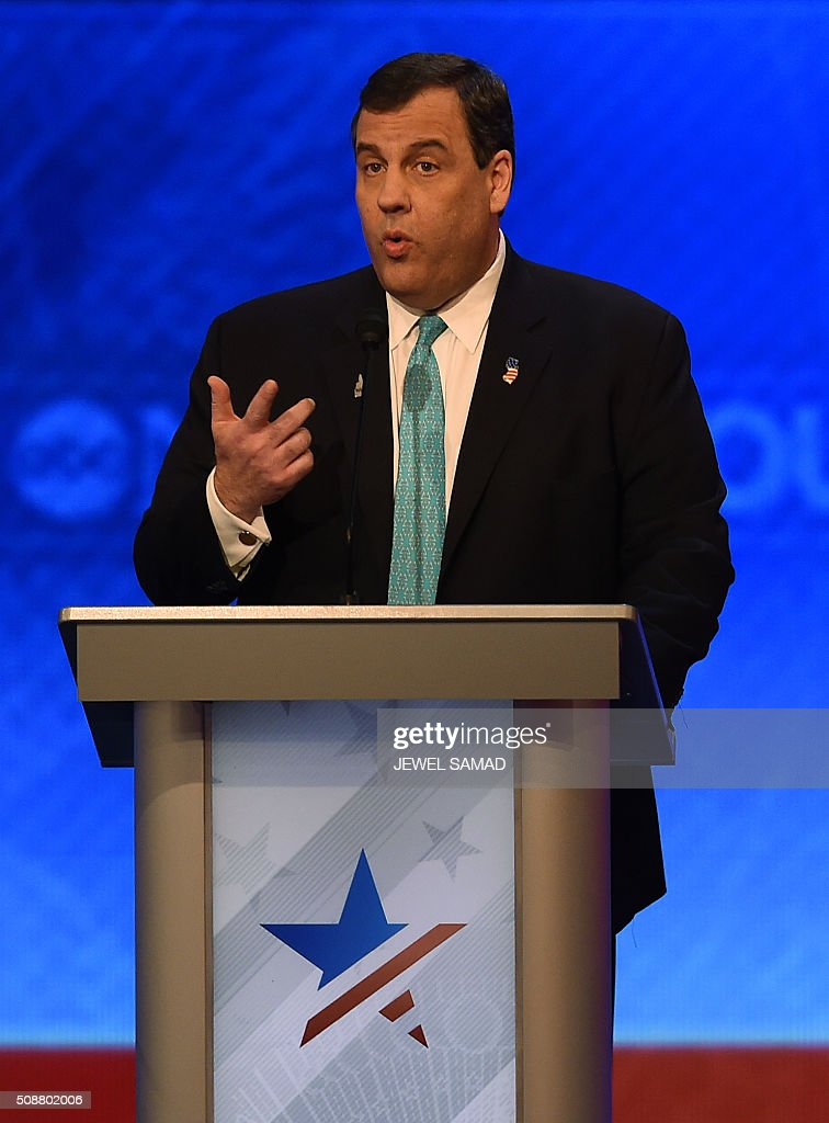 Republican presidential candidate Chris Christie participates in the Republican Presidential Candidates debate on February 6, 2016 at St. Anselm's College Institute of Politics in Manchester, New Hampshire. Seven Republicans campaigning to be US president are in a fight for survival in their last debate Saturday before the New Hampshire primary, battling to win over a significant number of undecided voters. / AFP / Jewel Samad