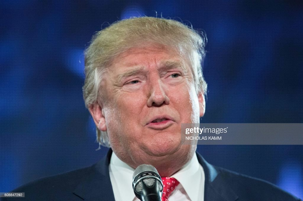 US Republican presidential candidate Donald Trump speaks at a rally at Liberty University in Lynchburg Virginia January 18 2016 / AFP / NICHOLAS KAMM