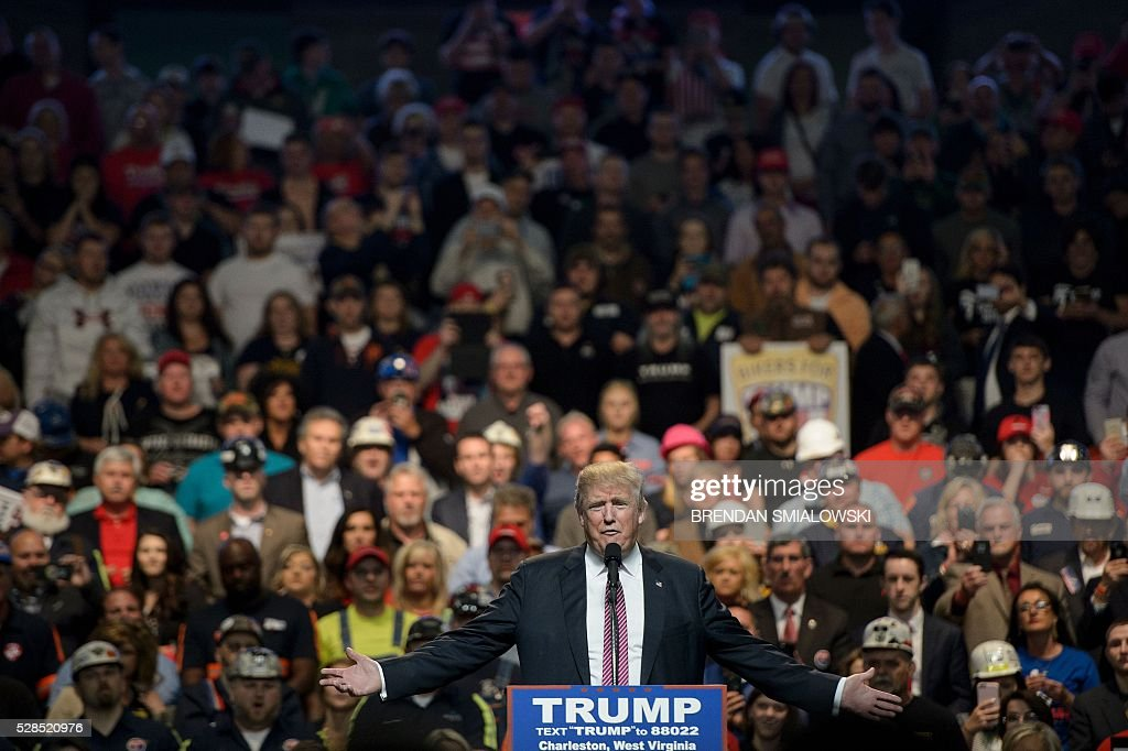 US Republican presidential candidate Donald Trump speaks during a rally May 5, 2016 in Charleston, West Virginia. / AFP / Brendan Smialowski