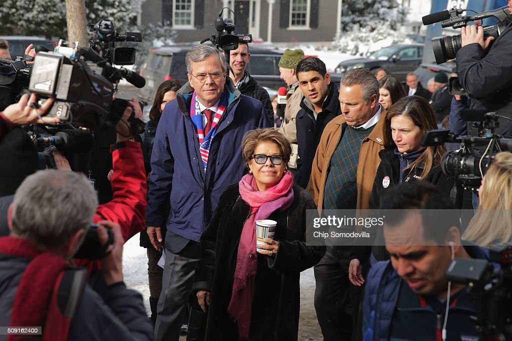 Republican presidential candidate <a gi-track='captionPersonalityLinkClicked' href=/galleries/search?phrase=Jeb+Bush&family=editorial&specificpeople=171487 ng-click='$event.stopPropagation()'>Jeb Bush</a> and his wife <a gi-track='captionPersonalityLinkClicked' href=/galleries/search?phrase=Columba+Bush&family=editorial&specificpeople=971287 ng-click='$event.stopPropagation()'>Columba Bush</a> greet and thank supporters outside the polling place at Webster School on primary day February 9, 2016 in Manchester, New Hampshire. Candidates from both parties are making last-minute attempts to swing voters to their side on the day of the 'First in the Nation' presidential primary.