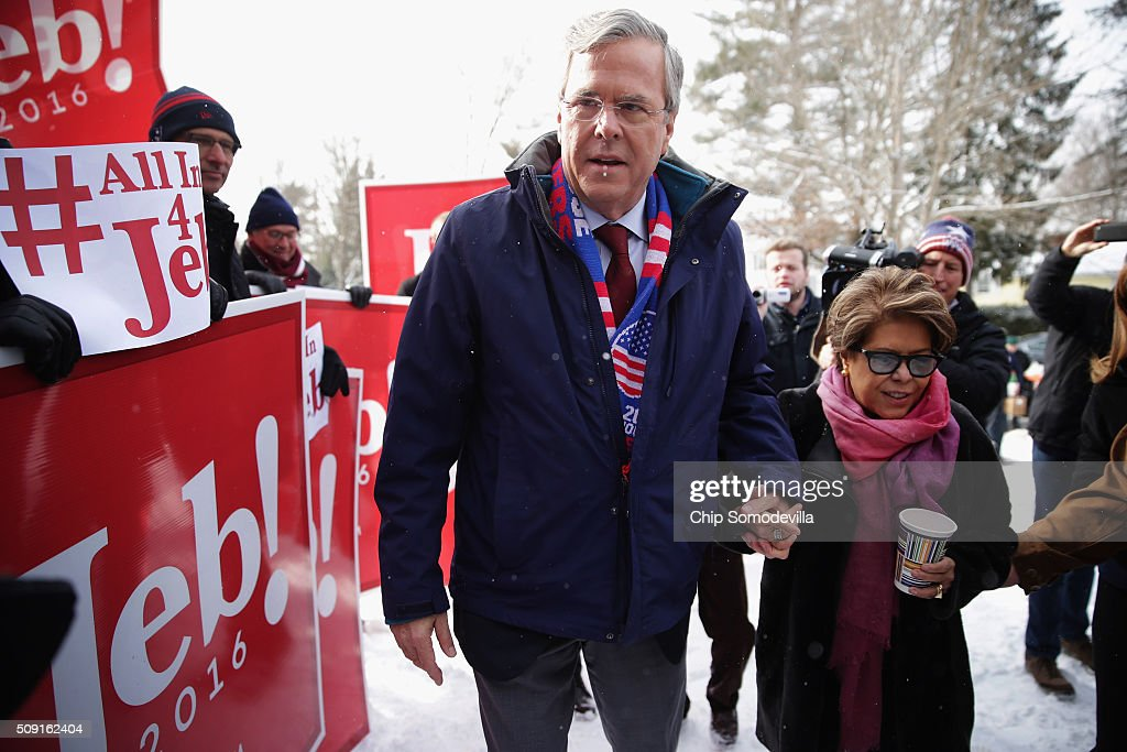 Republican presidential candidate <a gi-track='captionPersonalityLinkClicked' href=/galleries/search?phrase=Jeb+Bush&family=editorial&specificpeople=171487 ng-click='$event.stopPropagation()'>Jeb Bush</a> and his wife <a gi-track='captionPersonalityLinkClicked' href=/galleries/search?phrase=Columba+Bush&family=editorial&specificpeople=971287 ng-click='$event.stopPropagation()'>Columba Bush</a> thank supporters outside the polling place at Webster School on primary day February 9, 2016 in Manchester, New Hampshire. Candidates from both parties are making last-minute attempts to swing voters to their side on the day of the 'First in the Nation' presidential primary.