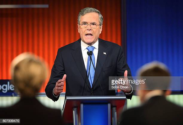Republican presidential candidate Jeb Bush participates in the Fox News Google GOP Debate January 28 2016 at the Iowa Events Center in Des Moines...