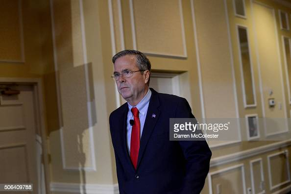 Republican presidential candidate Jeb Bush speaks at the NHGOP First In The Nation Town Hall January 23 2016 in Nashua New Hampshire The convention...