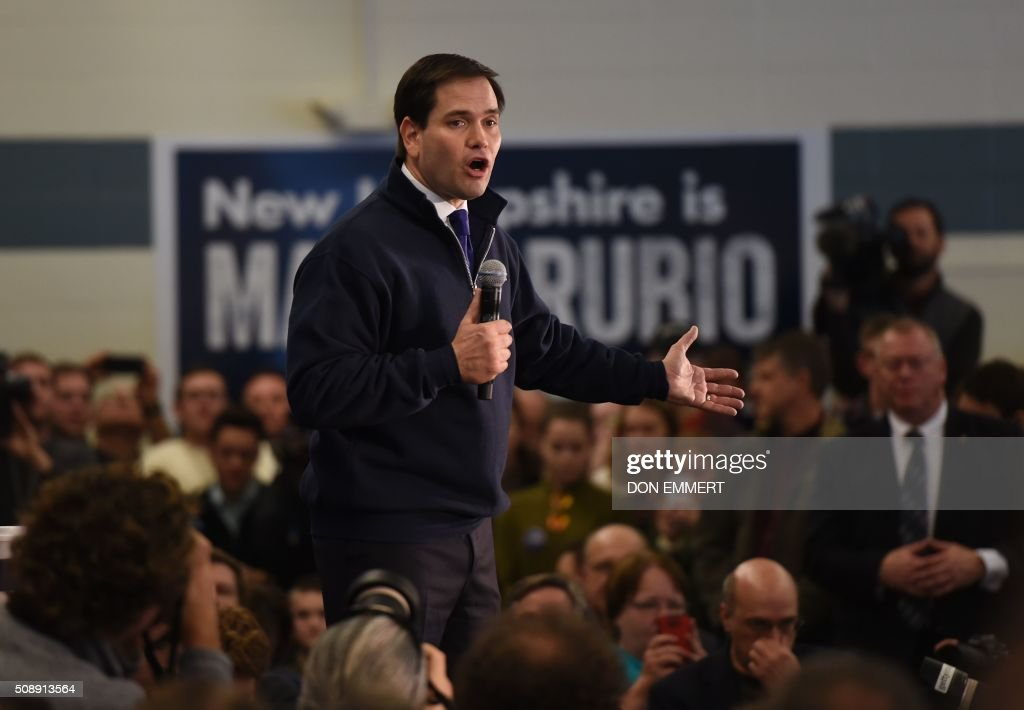 Republican presidential candidate Marco Rubio speaks at a town hall meeting February 7, 2016 in Londonderry, New Hampshire. / AFP / Don EMMERT
