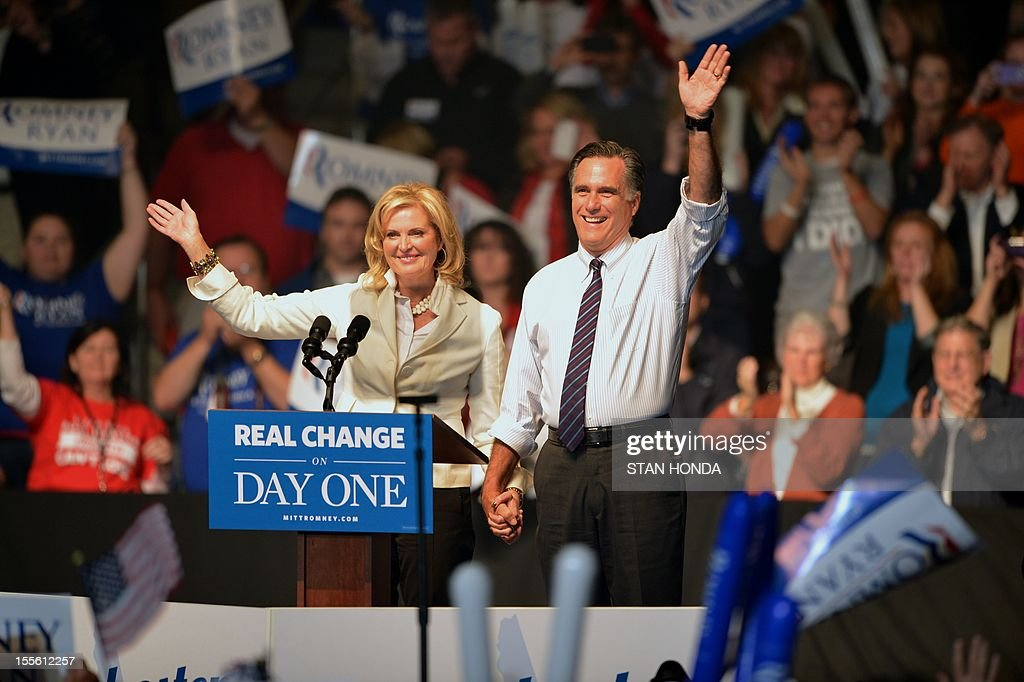 US Republican Presidential candidate Mitt Romney (L) and his wife Ann Romney (R) at a rally late November 5, 2012 at the Verizon Wireless Arena in Manchester, New Hampshire. AFP PHOTO/Stan HONDA