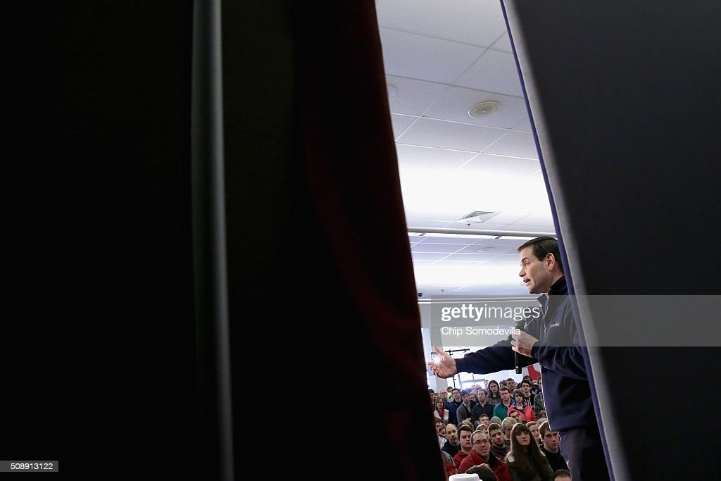 Republican presidential candidate Sen. <a gi-track='captionPersonalityLinkClicked' href=/galleries/search?phrase=Marco+Rubio+-+Politician&family=editorial&specificpeople=11395287 ng-click='$event.stopPropagation()'>Marco Rubio</a> (R-FL) holds a town hall meeting in the Londonderry High School cafeteria February 7, 2016 in Londonderry, New Hampshire. Hundreds of people came to the event to see Rubio just two days before voters go to the polls in the 'First in the Nation' presidential primary.