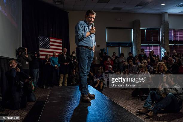 Republican presidential candidate Sen Ted Cruz speaks at a campaign event at the Gateway Hotel on January 30 2016 in Ames Iowa The Democratic and...