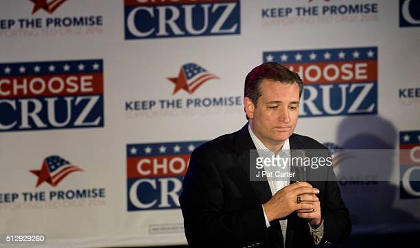 Republican presidential candidate Ted Cruz makes a speech to supporters during a campaign rally February 28 2016 in Oklahoma City Oklahoma Cruz...