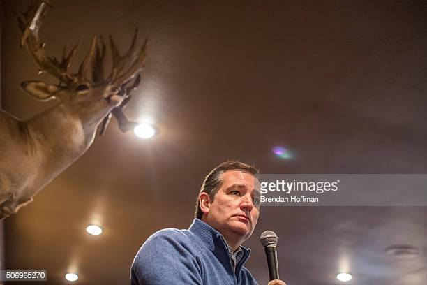 Republican presidential candidate Ted Cruz speaks at a campaign event at Bogie's Steakhouse on January 26 2016 in Albia Iowa The Democratic and...