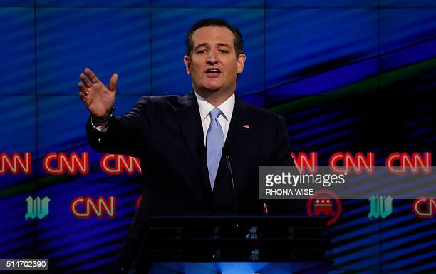 Republican Presidential candidate Texas Senator Ted Cruz speaks during the CNN Republican Presidential Debate March 10 2016 in Miami Florida / AFP /...