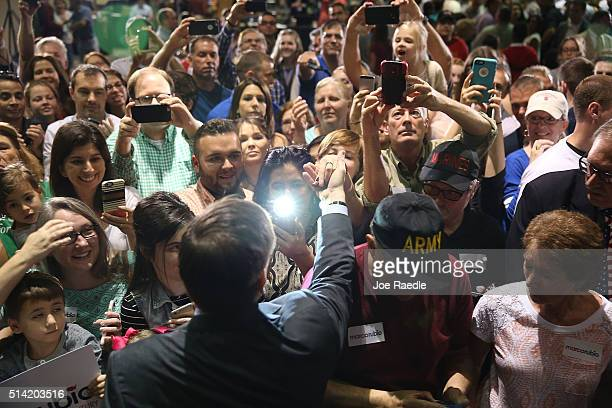 Republican presidential candidate US Sen Marco Rubio greets people during a campaign rally at theTampa Convention Center on March 7 2016 in Tampa...