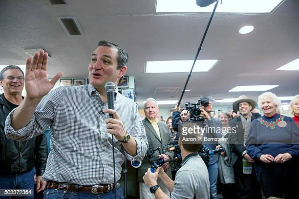 Republican presidential candidate US Sen Ted Cruz visits King's Christian Bookstore on January 4 2016 in Boone Iowa Cruz began a sixday bus tour of...