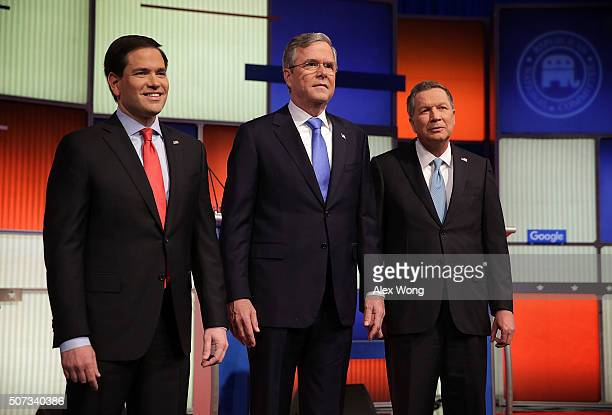Republican presidential candidates Ohio Governor John Kasich Jeb Bush and Sen Marco Rubio pose for photographers prior to the Fox News Google GOP...