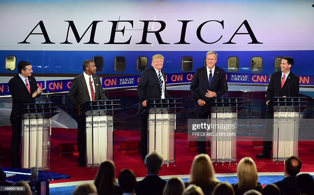 Republican presidential hopefuls Ted Cruz Ben Carson Donald Trump Jeb Bush and Scott Walker participate in the Republican Presidential Debate at the...