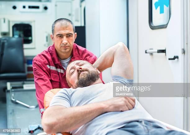 - Team mit Erste Hilfe Rettung