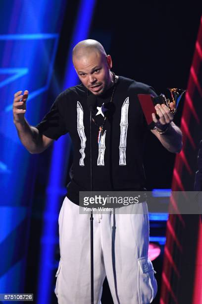 Residente accepts Best Urban Song for 'Somos Anormales' onstage at the 18th Annual Latin Grammy Awards at MGM Grand Garden Arena on November 16 2017...