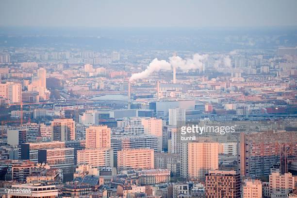 Banlieue résidentiel et industriel de la ville (Paris, France