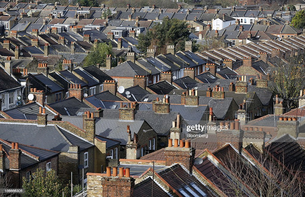Residential houses line streets in the Brixton district of London, U.K., on Friday, Nov. 23, 2012. U.K. mortgage approvals rose to a nine-month high in October, the British Bankers' Association said. Photographer: Simon Dawson/Bloomberg via Getty Images