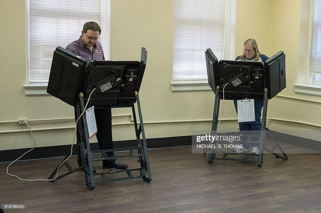 Residents vote at the Faulkner County Court House on February 29,... Pictures | Getty Images