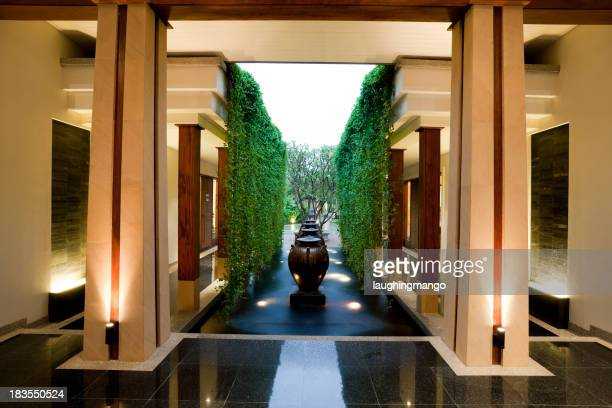 Hall de l'hôtel du centre de villégiature de phuket, en Thaïlande